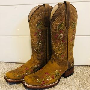 Circle G Floral Embroidered Cowboy Corral Boots